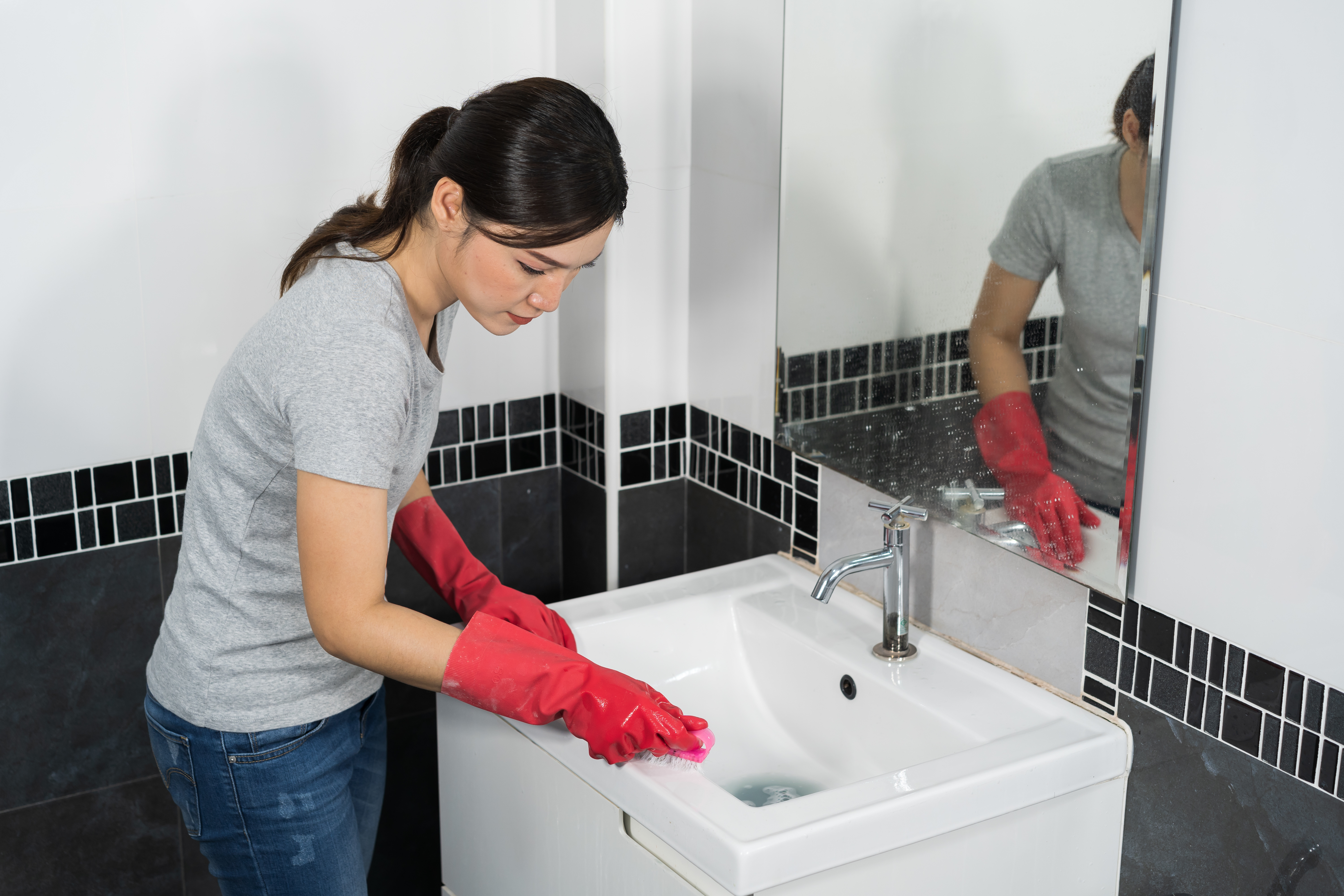 Deep Clean Your Bathroom and Kitchen For Thanksgiving | Terry's Plumbing